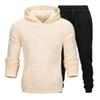 Белые буквы бежевого пальто черные брюки
