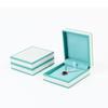 Caja colgante azul