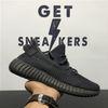 Sapatos pretos reflexivo