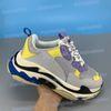 26. bleu jaune violet