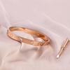 мужчины из розового золота Наличие бриллиантов