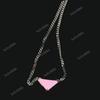 modelo de triángulo rosa