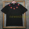 Negro con estrella roja