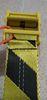 (C) di colore giallo + cintura nera