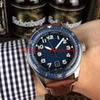 cadran bleu (bracelet en cuir marron)