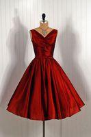 Vacker vintage kväll klänningar v nacke spaghetti band en linje kunglig röd prom klänningar te längd tafftea lyxig prom klänning ärmlös