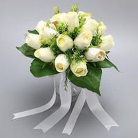 화이트 핑크 블루 아이보리 낭만적 인 인공 실크 장미 테이블 장식 꽃 잎 베리 진주 신부 결혼식 꽃다발