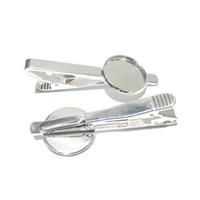 Beadsnice fermacravatta in bianco con 18mm tondo cabochon impostazione ottone moda gioielli cravatta parti di clip per la tua creazione di gioielli ID 23045