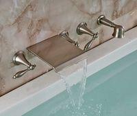 Neue an der Wand befestigte Badezimmer-Wasserfall-Wannen-Wasserhahn-Handbrause-Sprüher-Nickel-Bürste