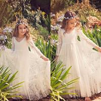 2020 Vintage Blumenmädchenkleider Für Boho Hochzeiten Weiß Langarm Sheer zurück Prinzessin Kinder Erstkommunion Kleider Günstige Bodenlangen