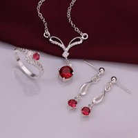 Ehering 925 Sterling Silber Sparkly Red Zirkon Halskette Ohrringe Ringe Schmuck-Set