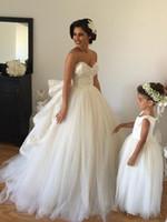 Robes de mariée blanche élégante robe de bal 2015 sur l'épaule à rangées ruché fabriqué en Chine de haute qualité dentelle appliques robes de mariée