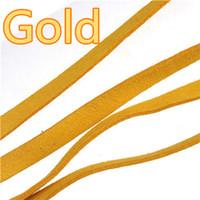 Großhandel 10mm Lederbänder Flach Breit Imitieren Weiche Wildleder Candy Farbe Gold Schmuckzubehör Für DIY schlüsselanhänger Armbänder Hund Halsketten 40 mt