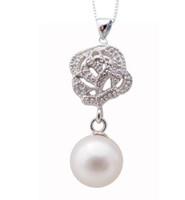 Großhandelsheißes Frau Durchbohrte Rosen Form 8-9mm weiße natürliche Perle hängende Halskette 925 Silbereinlegearbeitzircon 0020