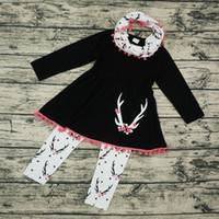 Новорожденных девочек одежда устанавливает Рождество олень с длинным рукавом кисточкой платье топы + печатных брюки + шейный платок 3 шт. наборы мультфильм сливы наряды