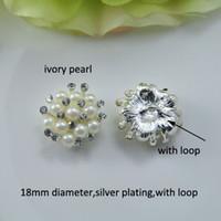 (J0321) 18 milímetros de diâmetro botão de metal elegante strass, chapeamento de prata, pérola de marfim ou pérola branca pura, com laço na parte de trás