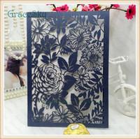 50PCS geben Verschiffen Laser-geschnittenes Papierblumen-Blatt-Muster aushöhlen Hochzeits-Geschäfts-Party Einladungs-Karte mit innerem Papier-freiem Raum-Blatt frei