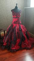 Dark Red and Black Gothic Wedding Dresses Off the Shoulder Appliques Custom Made Plus Size Wedding Gowns Organza Ruffle Bridal Dress