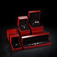 Deluxe Slide Jewelry Jewelry Box Pillow Watch Box Red Compleanno Gioielli Anello Pendente Braccialetto Braccialetto Braccialetto Imballaggio personalizzato Logo personalizzato