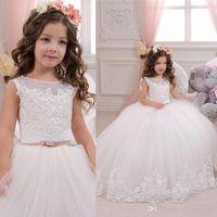 2018 vestido de la princesa de la flor de la princesa blanca escarpada cuello redondo con cuentas apliques de encaje vestido de fiesta vestidos de fiesta largos de la boda para niño