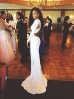 2015 длинные вечерние платья белый шифон с длинными рукавами V-образным вырезом спинки низкой задней крест-накрест оболочка суд поезд сексуальное платье выпускного вечера на заказ