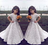 Gioiello maniche corte Capped Una linea Lace Sweep Train Bella Custom Flower Girl Dress New Coming