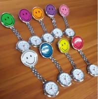 Atacado 800 pçs / lote Mix 10 cores noite enfermeira relógios relógios luminosos sorriso de metal assistir relógios NW012