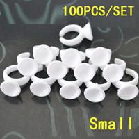 100 قطعة / الوحدة حلقات الحاجب المتاح للوشم حلقة بلاستيكية صغيرة / حامل الوشم الحبر كوب أبيض اللون