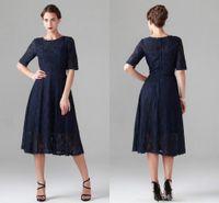 Tea Längd Navy Blue Lace Mother of the Bride Dresses Vintage Half Långärmad Strand Bridesmaid Bridal Party Evening Gowns 2015 Billiga