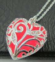 Argent coeur goutte médaillon colliers lueur dans l'obscurité pendentif colliers cadeau lumineux rougeoyant pierre Vintage colliers livraison gratuite
