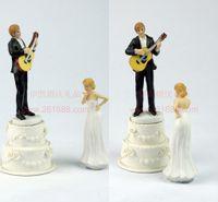 كعكة الزفاف توبر الزفاف الإمدادات العروس والعريس زوجين هو تقاسم كعكة الزفاف توبر الأحداث الزفاف ديكورات دمى الزفاف