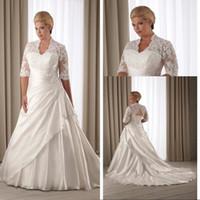 Estilo vintage A Line Escote en V Vestidos de novia de talla grande con media manga Capilla Tren Apliques Vestidos de novia de bajo precio 2015
