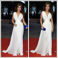 Nancy Ajram Arabisch Dubai Geraffte Chiffon Abendkleider Party Roter Teppich Kleider Muslim Celebrity Dress tiefer Ausschnitt Side Split