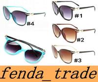 NOUVEAU Mode Lady Sunglasses Design Design UV400 Anti-rayonnement Haute Qualité Lentilles Lunettes de soleil Eye Cat Couleurs 4 Moq = 10