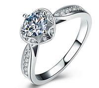 1 캐럿 합성 다이아몬드 반지 클래식 디자인 우아한 925 실버 결혼 반지 축제 선물 애호가 공인 신부 쥬얼리에 대한