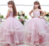Spaghetti Ball Gown Tiers Rosa Crystal Lace Up Ruffle Piano Lunghezza Bellissimo abito da sposa Flower Girl Dresses