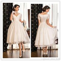 2019 Короткие свадебные платья с V-образным вырезом с коротким рукавом с атласным и кружевным чаем Многоуровневые вечерние свадебные платья