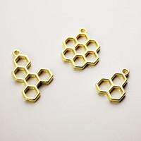 MRHUANG 10pcs / pacchetto Bee honeycomb fascino lunetta pendente del metallo Blank frame Pendenti Regolazione dell'incastronatura Resina UV Gioielli fai da te telaio