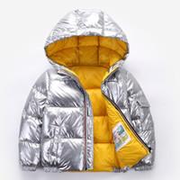 2021子供のための子供たちの冬のジャケットのコートのための女の子シルバーゴールド男の子カジュアルフード付きコート赤ちゃんの服weard子供パーカージャケットスノースーツ