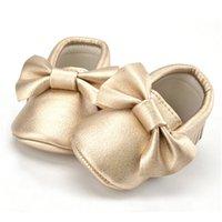16 colores de la primavera Zapatos de bebé recién nacido cuero de la PU de las muchachas de los zapatos de los primeros caminante del bebé mocasines 0-18 Meses Nueva