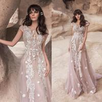 2020 Plage Nouveau 3D Fleurs Boho robes de mariée Robes de mariée en dentelle à manches courtes Robe de Backless Appliqués Noiva