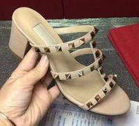 La venta caliente-2019 de diseño de lujo del cuero mujeres del perno prisionero sandalias talón abierto atractivo de las señoras Bombas tacones altos zapatos de moda remaches 8 Colores