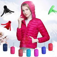 Mulheres de algodão com capuz para baixo Parkas modelos femininos casaco esporte mais jaqueta de inverno quente casaco dobrável com capuz casaco LJJA3081