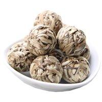 De préférence en forme de boule Bai Hao Yin Zhen aiguille d'argent à la main Perle Thé Blanc Pu'er naturel organique plus vieil arbre vert Puer thé