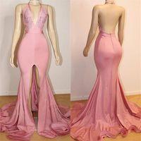 2020 저렴한 홀터 넥 핑크 공주 댄스 파티 드레스 깊은 V 넥 열기 뒤 앞 분할 탄성 새틴 신축성 파티 이브닝 가운