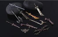 League of Legends LOL 11 Collector Edition Kutulu Araba Anahtarı Çanta Sıcak Satılık silah anahtarlık oyuncak kolye LOL Karakterler Çevrimiçi