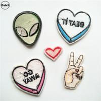Ufo Estrangeiro Parches Bordados ferro em remendos para vestuário Diy listras roupas etiquetas do coração Dedos apliques @ U10 Etiquetas Patches