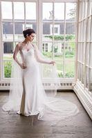 2019 Romantique Tulle long mariage Capes Vestes élégante Sheer automne Cape mariée Manteau Boléro Accessoires de mariage train chapelle