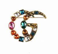 Design di lusso Lettere Brooches Corsage Colorful Geometry Gemstone Corsage Brooch Pin per le donne Vestita Pins di risvolto Gioielli Spedizione veloce