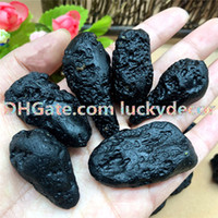 500 جرام حجم عشوائي الشكل الأسود إيندوشينيت التكتيت قوي متمنيا الحجر الخام غير مصقول الخام النيزك الخام الحطام الأرضية